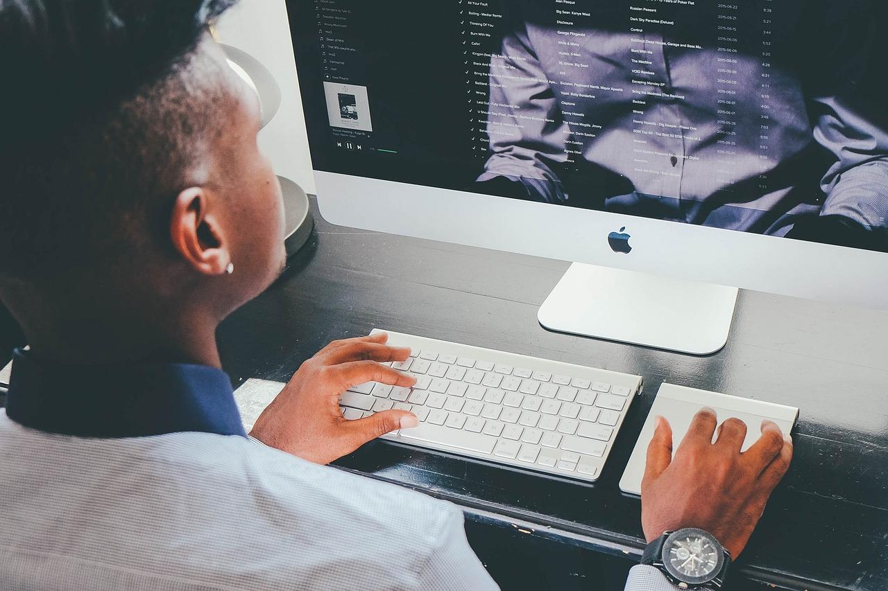 איך לבחור טכנאי מחשבים?